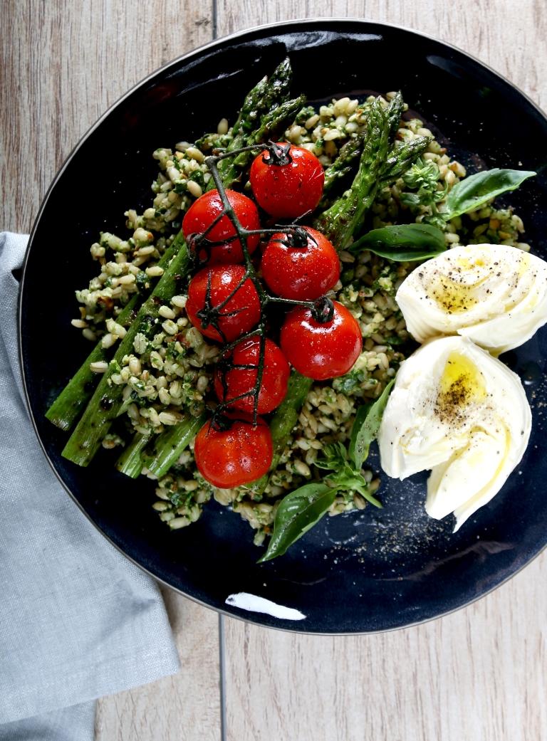 magimix-cook-expert-pesto-salad-with-barley-asparagus-mozzarella-vine-ripened-tomatoes